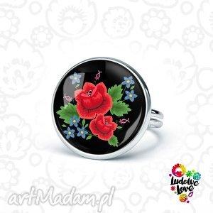pierścionek róże, folklor, folk, kwiaty, haftowane, ludowe, polskie