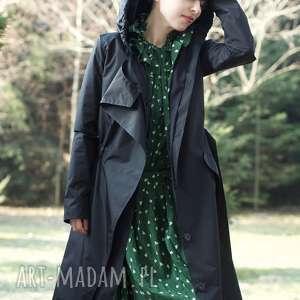 monika jaworska płaszcz przeciwdeszczowy czarny, kaptur, wodoodporny