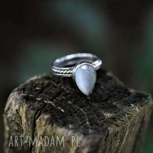 pierścień kocie oko, srebro, białe fasetowane oczko
