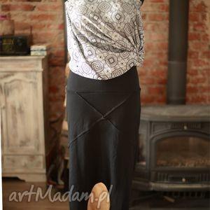 spodnie dresowo-dzaininowe spodnie, czarne, granatowe, sportowe, eleganckie