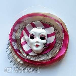Prezent Broszka z Kolekcji Masquerade - Diva, maska, wenecka, kwiat,