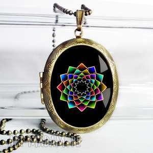 black mandala unikatowy otwierany medalion - sekretnik, duży, owal, brąz, antyk