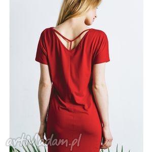 sukienka y czerwona, sukienka, tunika, wiosenna, dzanina, dzianinowa, plecy