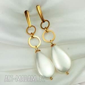 długie kolczyki z perłowymi kroplami pokryte złotem c922, perłami