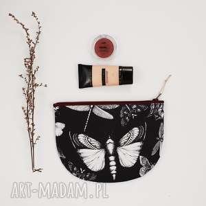 kosmetyczki kosmetyczka półksiężyc, kosmetyczka, saszetka, ćma, motyl, nadruk