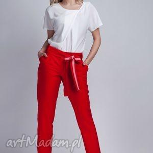 Spodnie, SD109 czerwone, spodnie, kokarda, pasek, kieszenie