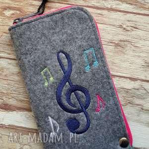 filcowe etui na telefon z muzycznym haftem, smartfon, pokrowiec, muzyka