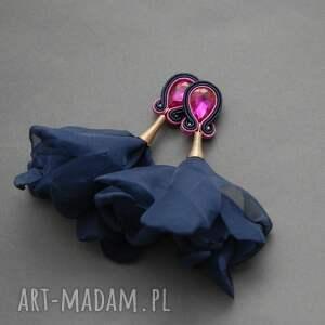 kolczyki sutasz z kwiatkiem, sznurek, granatowe, fuksja