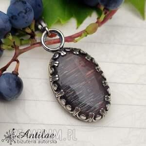 wisiorki wisior z czarnym kamieniem słonecznym, czarny kamień słoneczny
