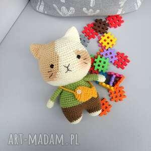 ręczne wykonanie zabawki kot włóczek