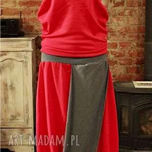 red moon-komplet na lato, komplet, czerwony, minimalistyczny, wygodny, ekstrawagancki