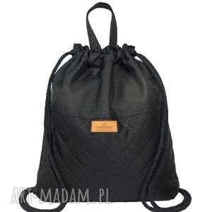 plecak czarny z pikowanym spodem, plecak, worek, worko
