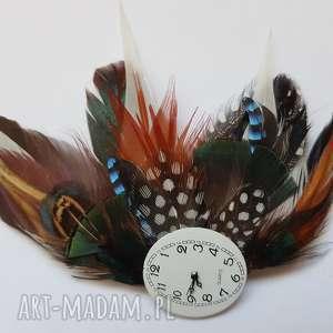 handmade ozdoby do włosów fascynator z piór - szaleńczy zegarek