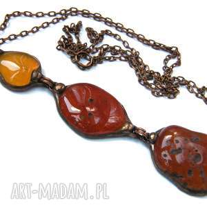 Wisior z łańcuszkiem w brązowej tonacji, długi-naszyjnik, wisior-z-kamieni