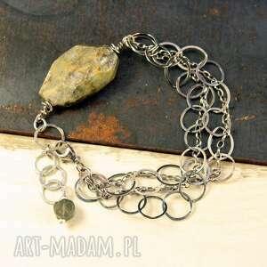 kyanit i surowy błysk, srebrna bransoletka, kyanit, surowe minerały