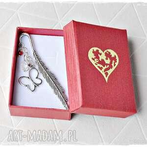 prezent na walentynki - zakładka z kryształowym sercem, zakładka