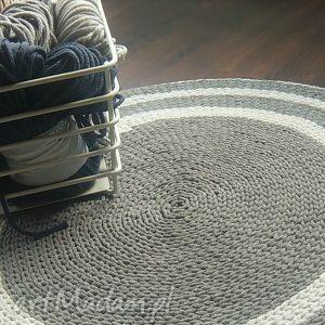 Ręcznie robiony dywan, sznurek, bawełna, szydełko, podłoga