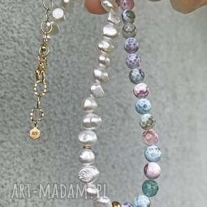 naszyjniki agat i perła, perły, ognisty, asymetryczny naszyjnik, pastelowy