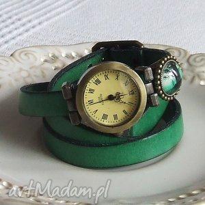 malowanaskrzynia zegarek vintage z grafiką skórzany szmaragdowy, biżuteria