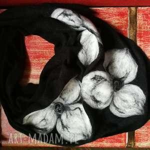 czarna chusta handmade wełniana, chusta, etno, boho, czarna, kwiaty