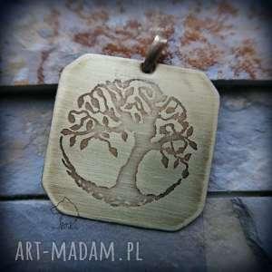 ręczne wykonanie wisiorki wisior z trawionego mosiądzu - drzewo życia