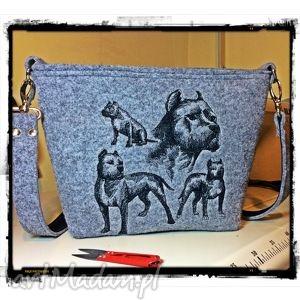 Prezent Amerykański Staffordshire Terrier grafika, amsaf, pies, filc, haft, hit