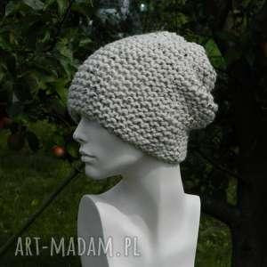 czapki tweed ecru - na prawo czapa zimowa, przaśna, wełna, nakrapiana, tweedowa