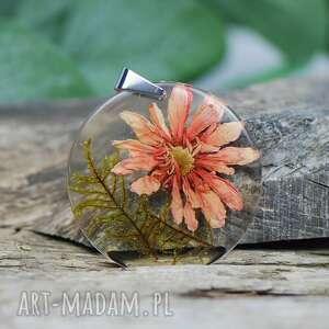 wisiorek z zasuszonymi kwiatami z1362, boho, prezent, żywicy