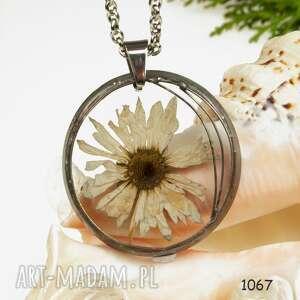 Prezent z1069 Naszyjnik z suszonymi kwiatami herbarium, naszyjnik, biżuteriazżywicy