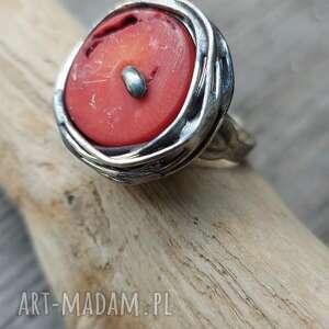 pierścionek z koralem biżuteria natury, koralem