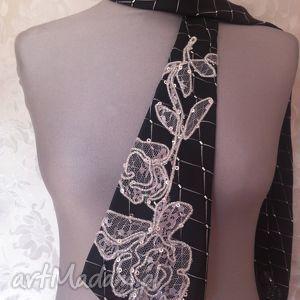 krawat damski izabella, krawat, moda, dodatki, prezenty na święta