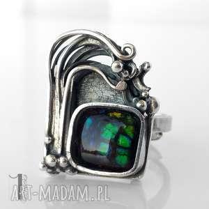 wichrowe wzgórze srebrny pierścionek z ammolitem ognistym - metaloplastyka