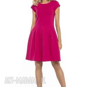 elegancka sukienka z zakłdkami, t254, fuksja, sukienka, elegancka, dół, rozkloszowany