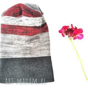 czapka z dzianiny swetrowej smerfetka bardzo przylegająca ciepła