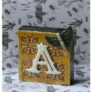 ceramika inicjał a ćmą, ceramika, inicjał, alfabet, litera, ćma