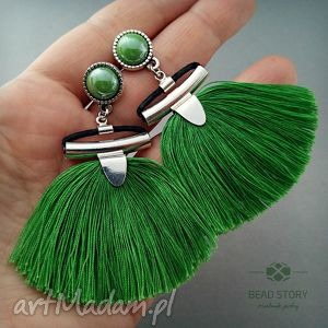 Chwościki w kolorze soczysto zielonym, sztyfty, metal, kaboszon, szkło, chwost