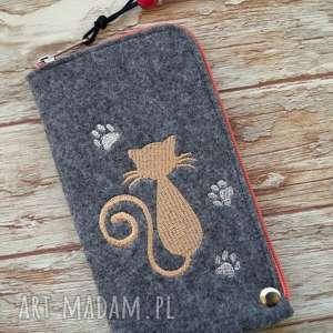 ręcznie wykonane etui filcowe na telefon - kotek