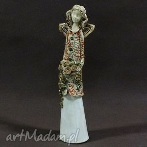 ręcznie wykonane ceramika anioł z bukietem róż