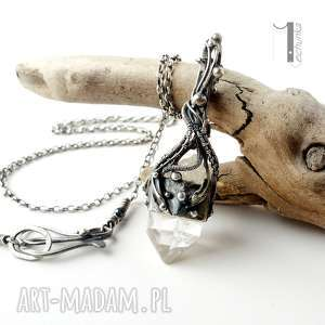 lodowy amulet - srebrny naszyjnik z kryształem górskim - wirewrapping