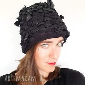 czapki czapka tkana no 37, elegancka czapka, skóra, czarna eko skóra