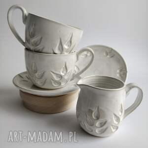 zestaw składający się z dwóch filiżanek i dzbanuszka 2, filiżanka do herbaty