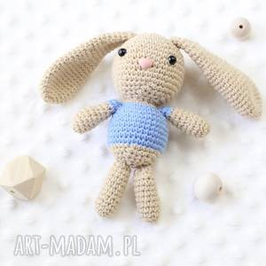 handmade zabawki króliczek szydełkowy z imieniem