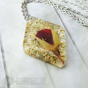 hand made wisiorki 1095/mela - wisiorek z żywicy różą