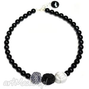 Q-lki No 9, modny, nowoczesny, naszyjnik, korale, perły, kulki