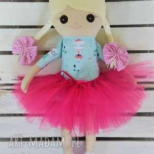 ręczne wykonanie lalki szmacianka, szmaciana lalka w tutu