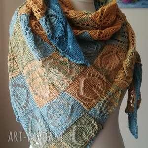 chustki i apaszki w słońcu bawełniana chusta, rękodzieło, ażurowa, bawełna