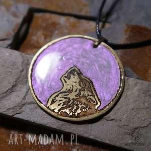 Lila Księżyc i Wilk - wisior z malowanego mosiądzu żywicy, wilk, wilki, wisiorek