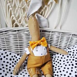 pan królik z imieniem, przytulanka, zabawka, wyszyte, imię, spersonalizowana