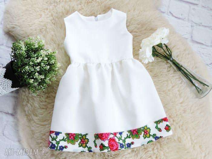 handmade ubranka biała sukienka góralska folkowa dziecięca