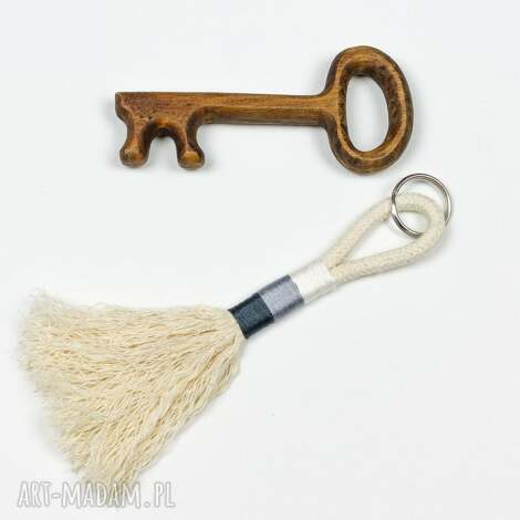 brelok boho ze sznurka, breloczki, kluczyk, szary, sznurek, eko